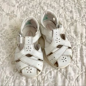 Stride Rite Tulip Sandals in White - size 5W